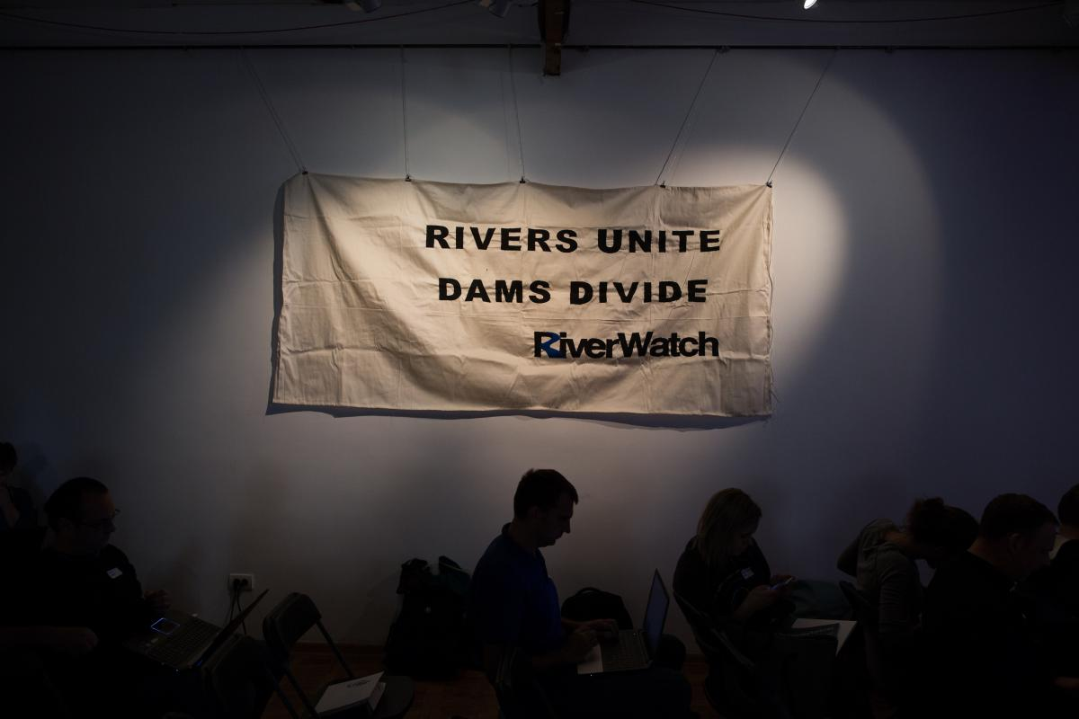 Participants from Slovenia, Croatia, Bosnia&Herzegovina, Serbia, Montenegro, Kosovo, Macedonia, Albania, Turkey, Austria, Germany, Switzerland, Italy, Netherland, Portugal, France, England, and USA met for 72 hours in Belgrade for free rivers. Photo: Anze Osterman/Leeway Collective