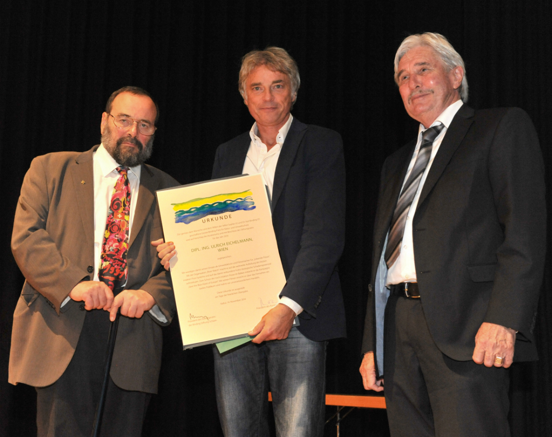 From left to right: Laudator Prof. Grabherr, Ulrich Eichelmann and Andreas Adank, CEO of the Binding Foundation. Photo: Klaus Schädler