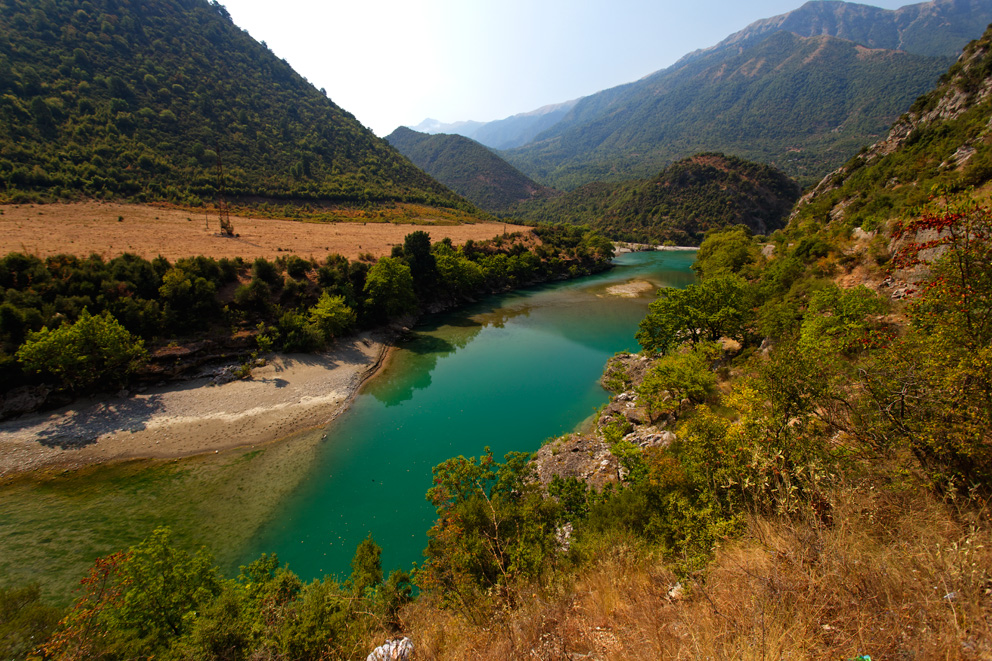 The Vjosa is one of the last wild rivers in Euorpe and is threatened by 8 projected hydro dams. Foto: Goran Safarek