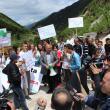 Medien waren am Protest interessiert. Foto: Ervis Loçe