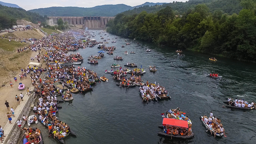 Biggest river related event in Europe: 20,000 people participated in this year's Drina Regatta, starting below the Bajina Basta dam which is 90 meters in height @ Dušan Mićić