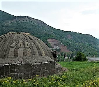 One of 750 000 bunkers in Albania, built during Enver Hoxha's regime. © Sven Haertig-Tokarz
