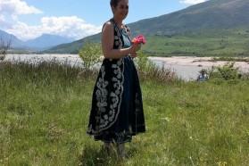 Tag 33: Ulrike Lunacek in traditioneller albanischer Tracht