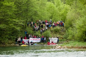 DAY 8 - Save the Sana – stop KELAG: under this slogan,  about 200 people protested at the Sana in Bosnia and Herzegovina today