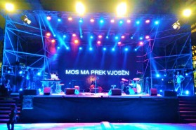 Mos ma prek Vjosën – Hands off Vjosa concert in Tirana about to start