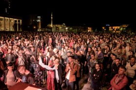 About 4000 people attended the Vjosa concert at the main square in Tirana