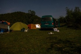 Setting up camp close to Tre Urat, just after the border, under a starlit sky