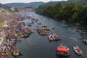 Biggest river related event in Europe: 20,000 people participated in this year's Drina Regatta, starting below the Bajina Basta dam which is 90 meters in height