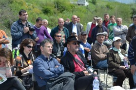 Famous Albanian writer Fatos Lubonja (front row, black hat) also participated in the press conference.