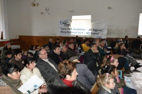 "About 75 people attended the discussion in Çarshovë. ""We are grateful for such information and the possibility to discuss the issue. We don´t want to be dammed, but want a Vjosa National Park instead. This way, we can protect our river and maintain it for our economic future"", says Veli Mehmeti, mayor of Çarshovë."